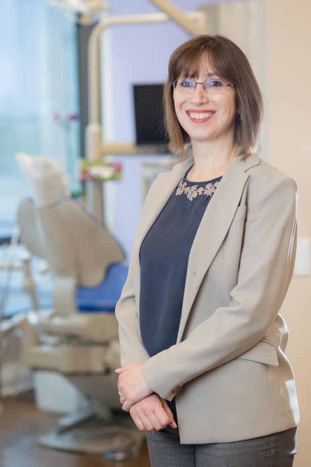 Dr. Corina Muntean